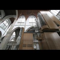 Wesel, Willibrordi-Dom, Orgel und Chorraum von der Seite