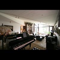 Düsseldorf, Motette-Verlag (Hausorgel), Wohnraum mit Orgel
