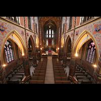 Kevealer, Marienbasilika, Blick von der Orgelempore ins Hauptschiff