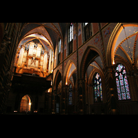 Kevealer, Marienbasilika, Orgel beleuchtet