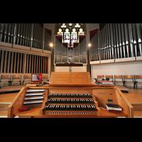 Bremen, Propsteikirche St. Johann, Spieltisch und Orgel