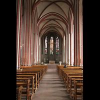 Bremen, Propsteikirche St. Johann, Innenraum / Hauptschiff in Richtung Chor