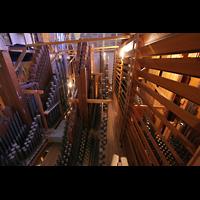 Bremen, Dom St. Petri (Klop-Orgel), Pfeifen im Hauptwerk, rechts die Schwellwerke