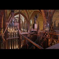 Bremen, Dom St. Petri (Klop-Orgel), Blick vom Dach der Orgel ins Hauptschiff