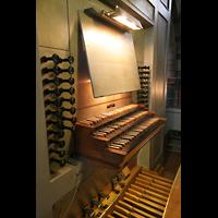 Bremen, Dom St. Petri (Klop-Orgel), Spieltisch der Bachorgel (Van Vulpen-Orgel)