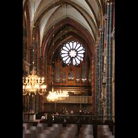 Bremen, Dom St. Petri (Klop-Orgel), Blick von der Vierung zur großen Orgel