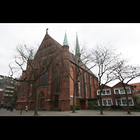 Bremen, Propsteikirche St. Johann, West-Fassade und Hauptportal