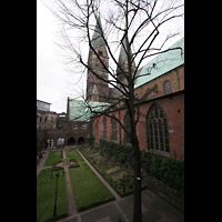 Bremen, Dom St. Petri (Klop-Orgel), Innenhof