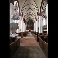 Tangermünde, St. Stephan, Innenraum / Hauptschiff in Richtung Orgel
