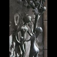 Magdeburg, Kathedrale St. Sebastian (Hauptorgel), Adam und Eva - Portal-Detail