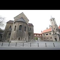 Braunschweig, Dom St. Blasii (Hauptorgel), Chor und Querhaus mit Domplatz, rechts die Burg Dankwarderode