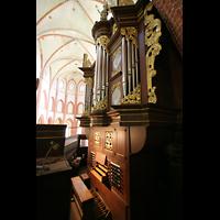 Norden, St. Ludgeri, Orgel mit Spieltisch