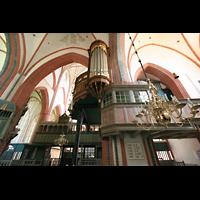 Norden, St. Ludgeri, Vierungspfeiler mit Orgel