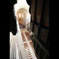 Versailles, Cathédrale Saint-Louis (Hauptorgel), Pfeifen des Bourdon 32' und Blick ins Hauptschiff