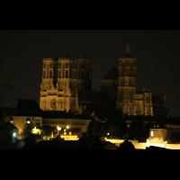Laon, Cathédrale Notre-Dame, Gesamtansicht bei Nacht