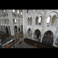 Laon, Cathédrale Notre-Dame, Blick von der Chorempore in den Chor mit Chororgel