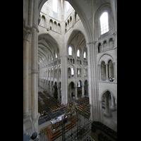 Laon, Cathédrale Notre-Dame, Blick von der Chorempore in die Vierung und das Hauptschiff