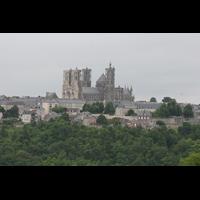 Laon, Cathédrale Notre-Dame, Gesamtansicht von der Stadt aus