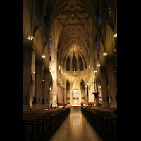 New York (NY), St. Patrick's Cathedral, Innenraum / Hauptschiff in Richtung Chor