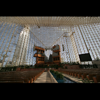 Garden Grove (CA), Christ Cathedral (''Crystal Cathedral''), Innenraum / Hauptschiff in Richtung Orgel und Chor