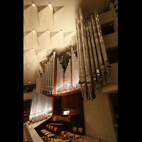 Berlin (Tiergarten), Philharmonie, Orgelempore noch ohne die neuen Chamaden