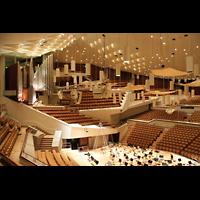 Berlin (Tiergarten), Philharmonie, Blick von links oben in den Saal