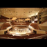 Berlin (Tiergarten), Philharmonie, Gesamtansicht mit Blick auf die Orgel
