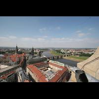 Dresden, Kathedrale Ss. Trinitatis (ehem. Hofkirche), Blick von der Kuppel der Frauenkirche zur Kathedrale (rechts) und Kreuzkirche (links)