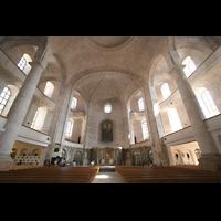 Dresden, Kreuzkirche, Innenraum / Hauptschiff in Richtung Chor