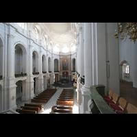 Dresden, Kathedrale Ss. Trinitatis (ehem. Hofkirche), Blick von der Orgelempore ins Hauptschiff