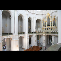 Dresden, Kathedrale Ss. Trinitatis (ehem. Hofkirche), Blick von der Seitenempore zur Orgel