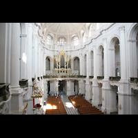 Dresden, Kathedrale Ss. Trinitatis (ehem. Hofkirche), Blick vom Chorumgang zur Orgel