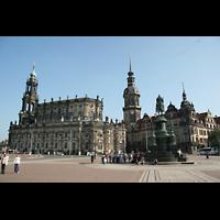 Dresden, Kathedrale Ss. Trinitatis (ehem. Hofkirche), Kathedrale und Hausmannsturm vom Theaterplatz aus