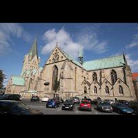 Paderborn, Dom St. Maria, St. Liborius und St. Kilian, Seitenansicht vom Domplatz aus