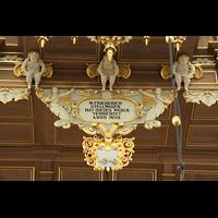 Stralsund, St. Marien, Erbauer-Schild von Stellwagen unter dem Rückpositiv