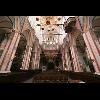 Stralsund, St. Nikolai, Innenraum / Hauptschiff in Richtung Orgel