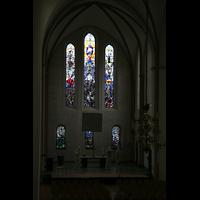 Bremen, Kulturkirche St. Stephani, Bunte Fenster mit Glasmalerei im Chor