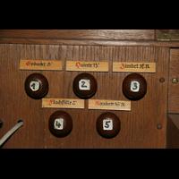 Bremen, St. Ansgarii (Chororgel), Linke Registerstaffel am Spieltisch der Chororgel