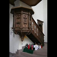 Bremen, St. Ansgarii (Chororgel), Kanzel mit Krippe