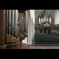 Bremen, St. Ansgarii (Chororgel), Blick von der Chororgel zur Hauptorgel
