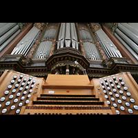 Bremen, St. Ansgarii (Chororgel), Spieltisch- und Orgelperspektive