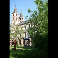Würzburg, Dom St. Kilian, Ansicht vom Innenhof des Kreuzgangs