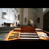 Würzburg, Augustinerkirche, Blick vom mobilen Spieltisch in den Chor