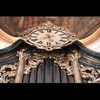 Bad Staffelstein - Vierzehnheiligen, Wallfahrts-Basilika (Hauptorgel), Uhr im Orgelprospekt