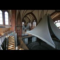 Berlin (Kreuzberg), Heilig-Kreuz-Kirche (Kirche zum Heiligen Kreuz), Blick von der Seitenempore zur Orgel