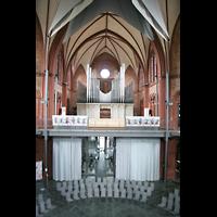 Berlin (Kreuzberg), Heilig-Kreuz-Kirche (Kirche zum Heiligen Kreuz), Innenraum / Hauptschiff in Richtung Orgel