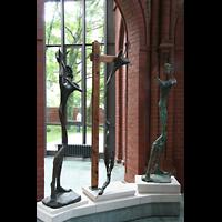 Berlin (Kreuzberg), Heilig-Kreuz-Kirche (Kirche zum Heiligen Kreuz), Tryptichon 'Christus im Holocaust' von Ismund Rosen