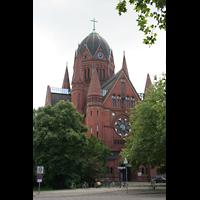 Berlin (Kreuzberg), Heilig-Kreuz-Kirche (Kirche zum Heiligen Kreuz), Außenansicht
