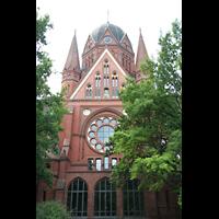 Berlin (Kreuzberg), Heilig-Kreuz-Kirche (Kirche zum Heiligen Kreuz), Ansicht von der Seite