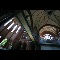 Berlin (Kreuzberg), Heilig-Kreuz-Kirche (Kirche zum Heiligen Kreuz), Chorraum, Kuppel und rechte Seitenempore
